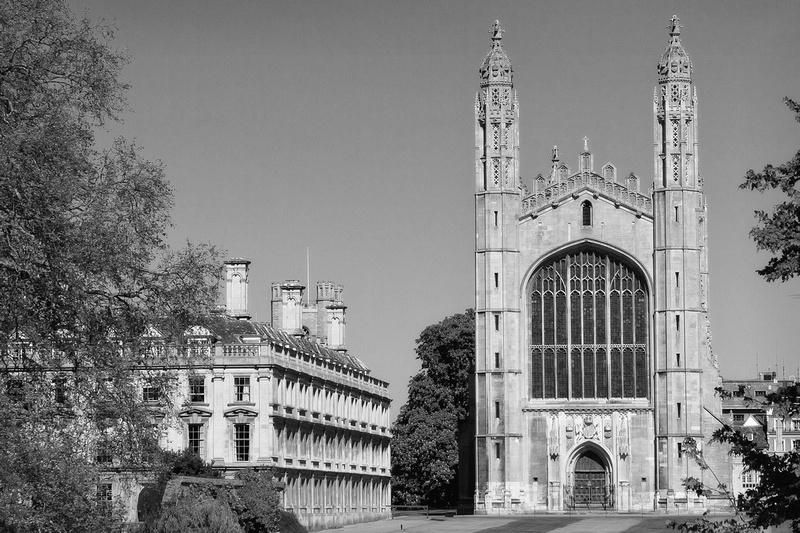 Kings College Chapel Cambridge in Monochrome by bokeh photographic (Alistair Grant) Photographer Cambridge.