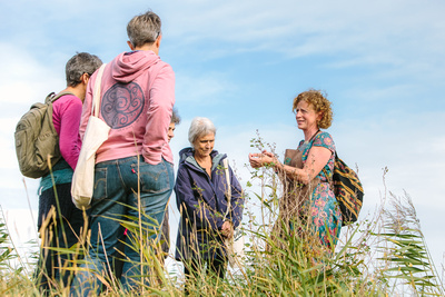2017 Aldeburgh Food & Drink Festival: Vivia Bamford Foraging Walk. © bokeh photographic (Alistair Grant): Freelance Photographer Cambridge.