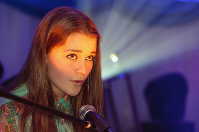 Singer Songwriter Grace Sarah by bokeh photographic (Alistair Grant) Event Photographer St Ives Cambridgeshire.