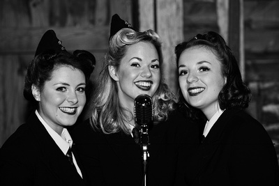 The Three Belles. © bokeh photographic (Alistair Grant): Professional Photographer: Cambridgeshire, Bedfordshire, Northamptonshire, Norfolk, Suffolk, Essex & Hertfordshire.