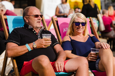 2016 Aldeburgh Food & Drink Festival: Festival goes enjoy a pint and a sit down. © bokeh photographic (Alistair Grant): Freelance Photographer Cambridge.