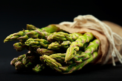 Food Photography Portfolio – Freshly Harvested English Asparagus. © bokeh photographic (Alistair Grant): Food Photographer, St Ives, Cambridge.
