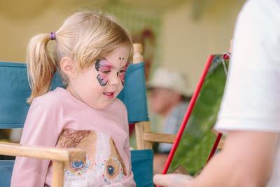Face Painting. © bokeh photographic (Alistair Grant): Professional Photographer: Cambridgeshire, Bedfordshire, Northamptonshire, Norfolk, Suffolk, Essex & Hertfordshire.